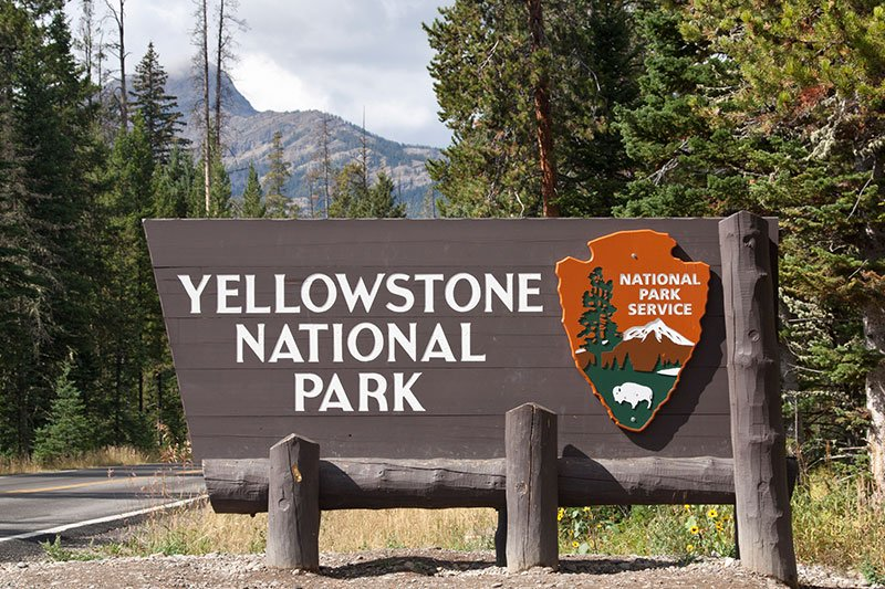 yellow-stone-national-park-at-wyoming-th